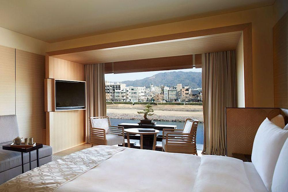 Luxuriöses Schlafzimmer, The Ritz Carlton Kyoto, Hotel, Japan Reise