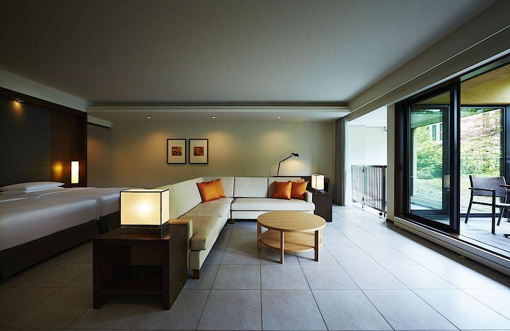 Suite, Hyatt Regency Hakone Resort and Spa, Japan Rundreise